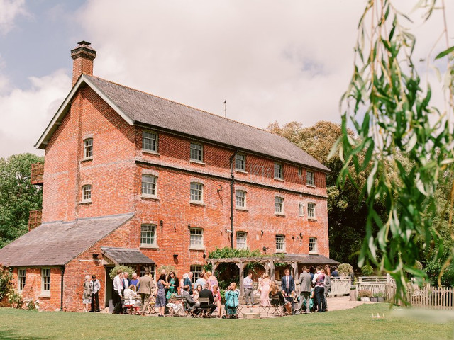 33 Cheap Wedding Venues in the UK: The Best Affordable Venues