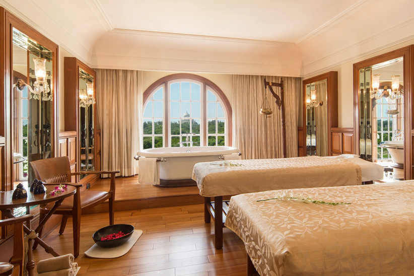 best-honeymoon-hotels-in-the-world-oberoi-amarvilas-2