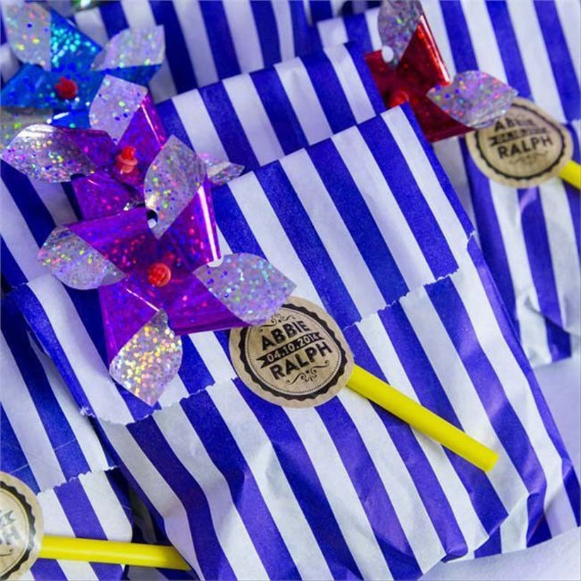 give-your-guests-beach-themed-wedding-favours-like-abbie-and-ralph-did-at-their-real-wedding