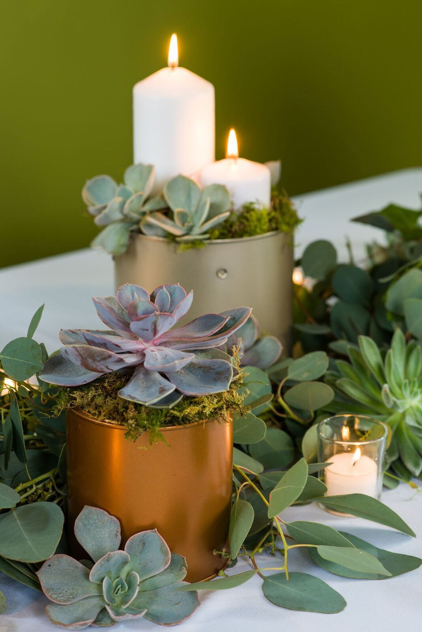 How To Make A Greenery Table Garland