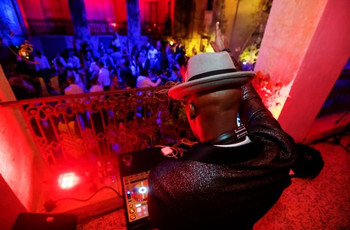 Wedding DJ Prices: The Average Cost of a Wedding DJ