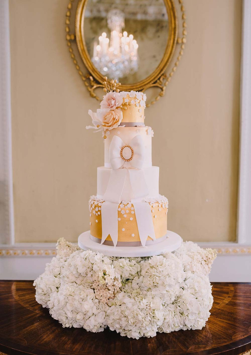 metallic-wedding-cakes-from-willow-and-bloom-cakes-2