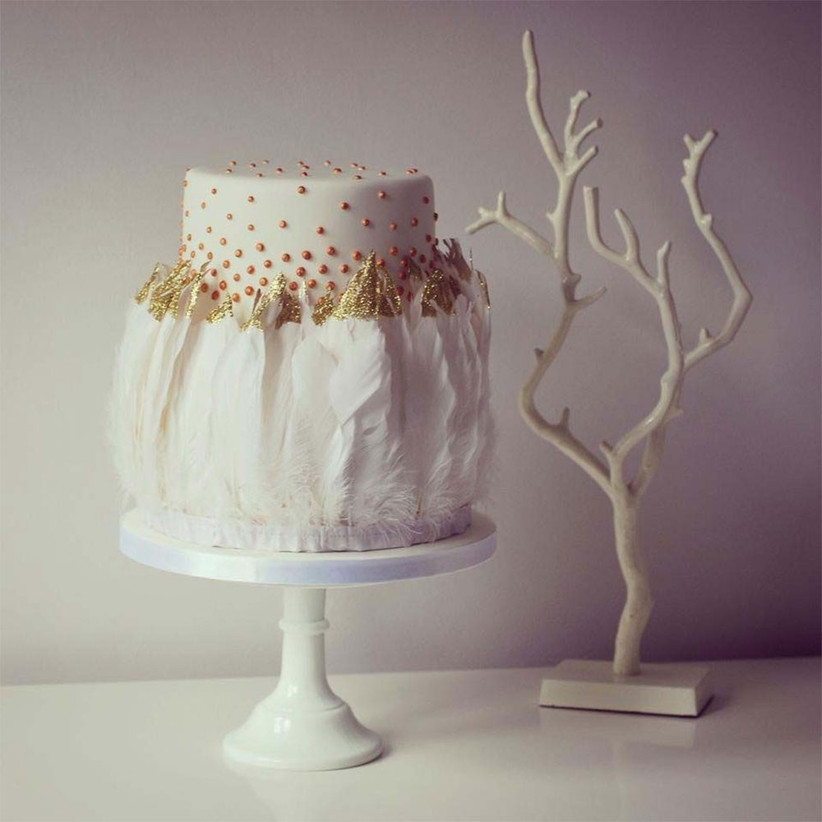single-tier-feather-cake
