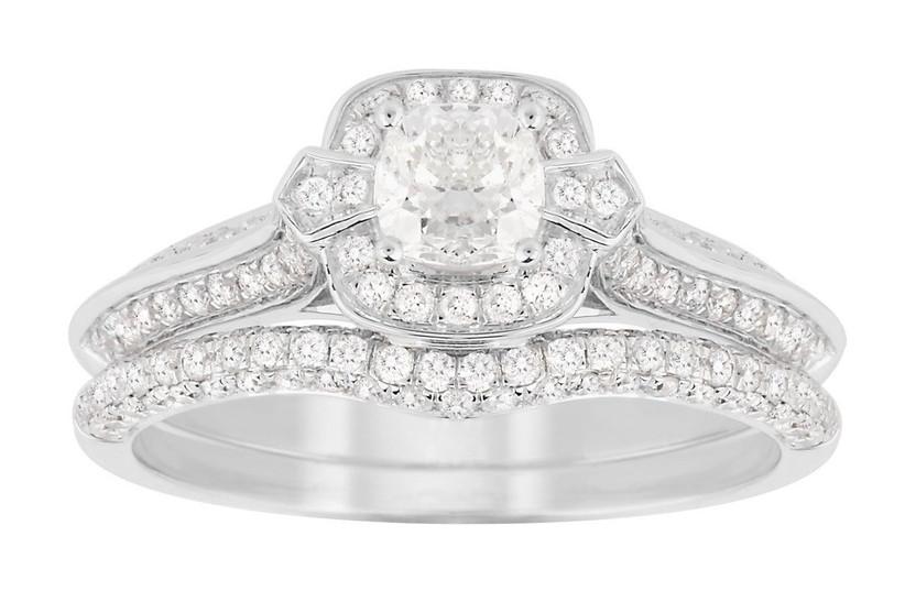 9. white-gold-engagement-rings-jenny-packham-cushion-cut