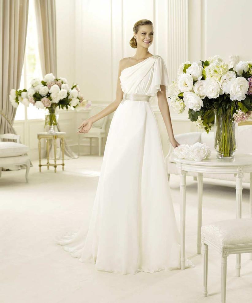 asymmetrical-wedding-dress-with-ruffled-sleeve