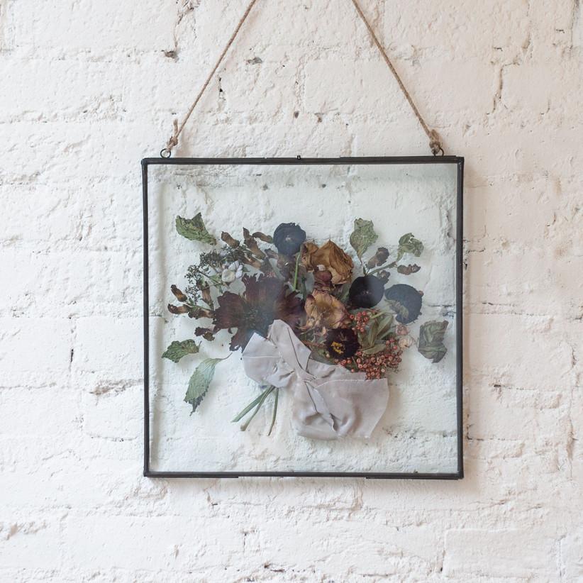 glass frame bouquet
