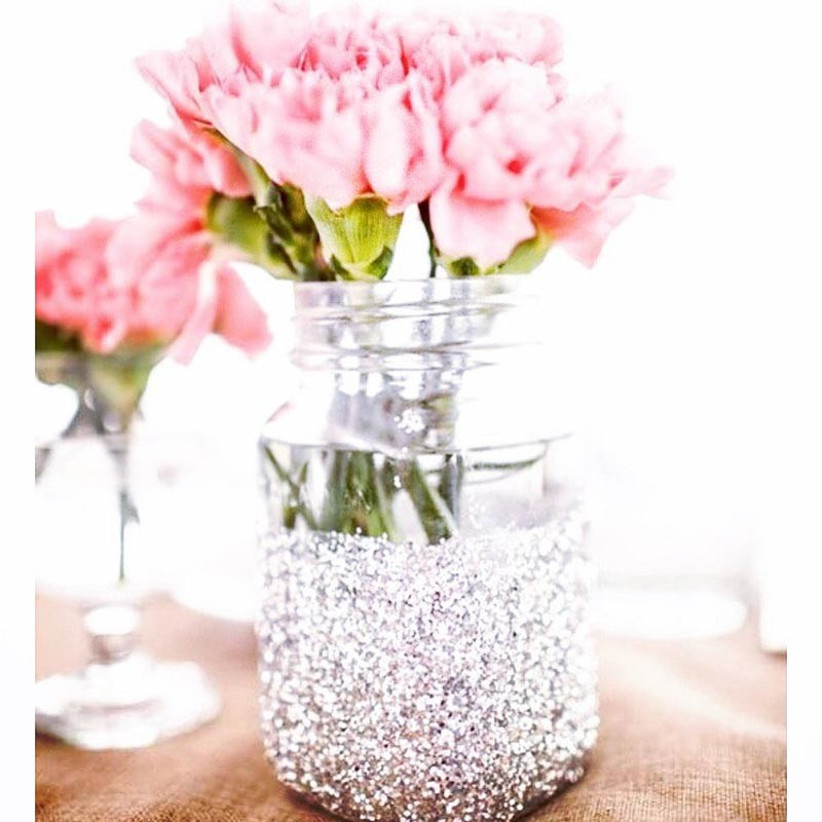 glitter-mason-jar-centrepieces