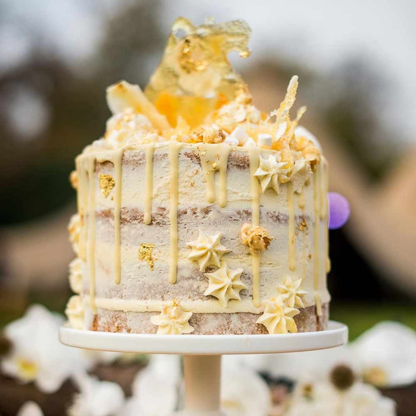manilla-coloured-drip-wedding-cake
