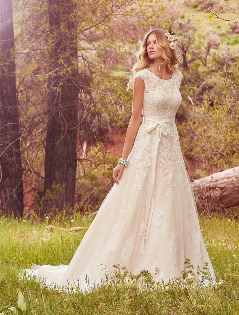 bow-front-wedding-dresses