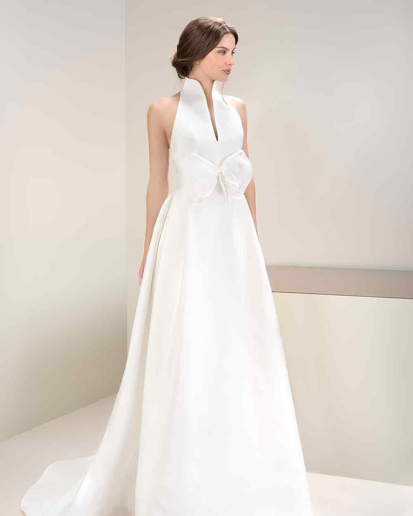 wedding-dress-with-bow-at-the-front