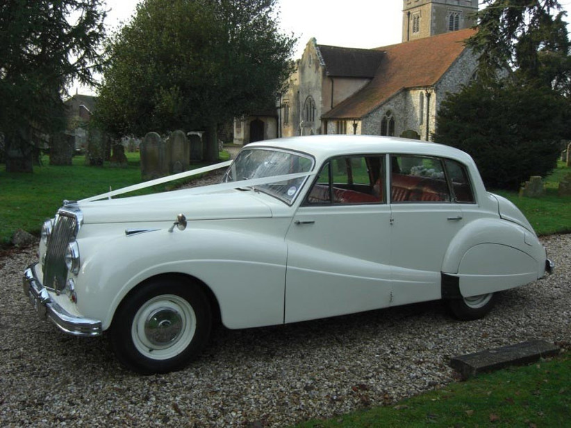 wedding-car-from-newark-vintage-cars
