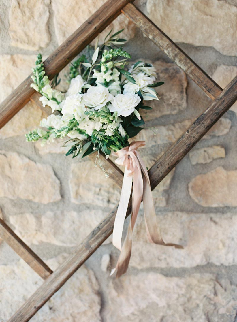 rustic-style-wedding-bouquet