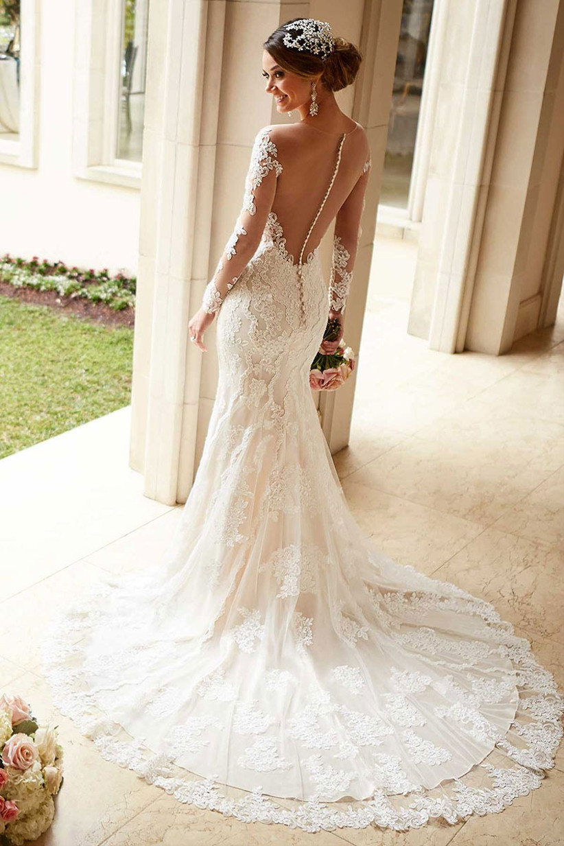 wedding-dresses-for-a-small-bust-2