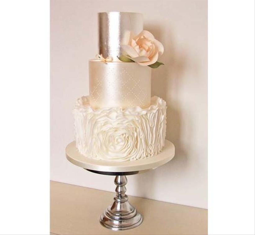 the-designer-cake-company-silver-cake
