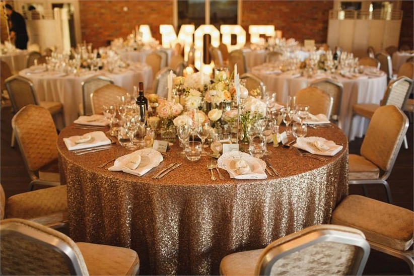 glitter-table-cloth