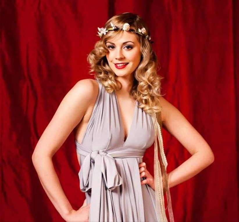 if-you-want-to-glam-up-your-wedding-hair-flowers-curl-your-hair-and-smooth-any-flyaways-as-inspired-by-this-lipstick-and-curls-look-2