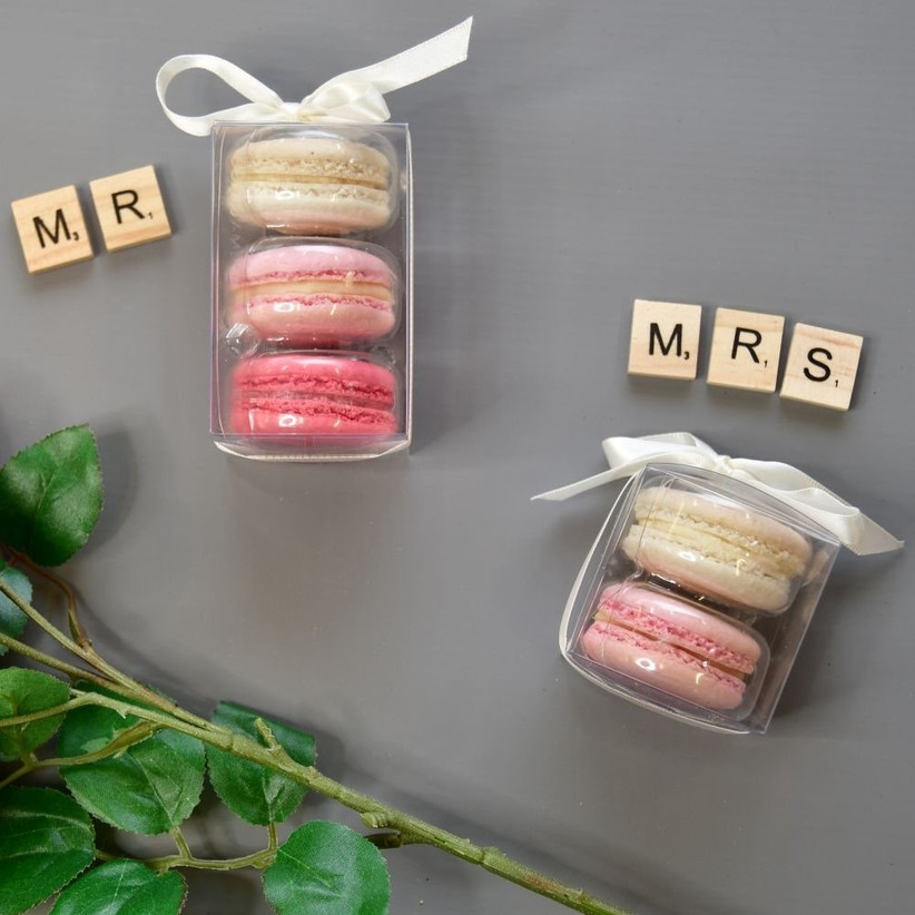Macarons in packets