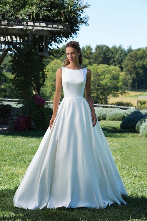 3987, Sincerity Bridal