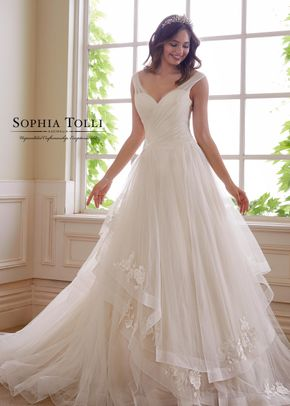 Y21824, Sophia Tolli