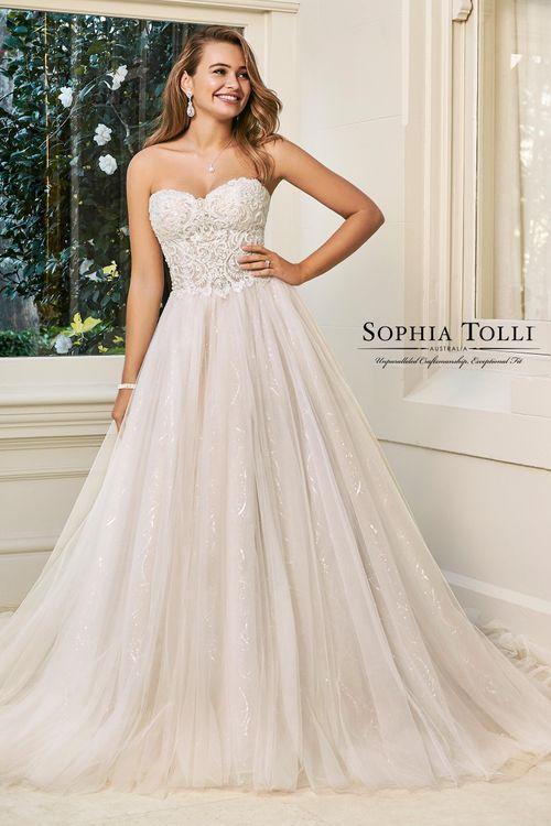 Y11945, Sophia Tolli