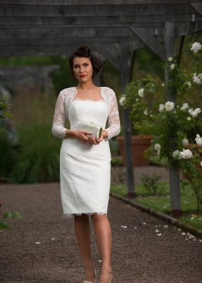 Maggie, Timeless Chic
