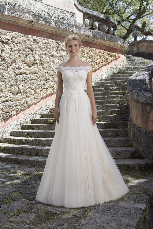 3889, Sincerity Bridal