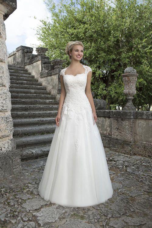 3906, Sincerity Bridal
