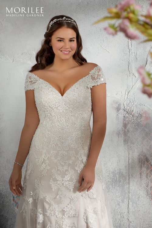 3241, Julietta by Mori Lee