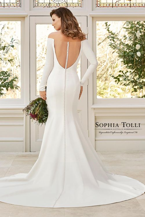 Y11962, Sophia Tolli