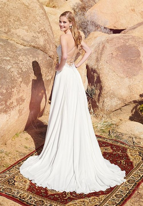 220104, Enchanting by Mon Cheri