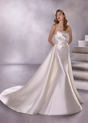 BLACK STAR, Atelier Pronovias