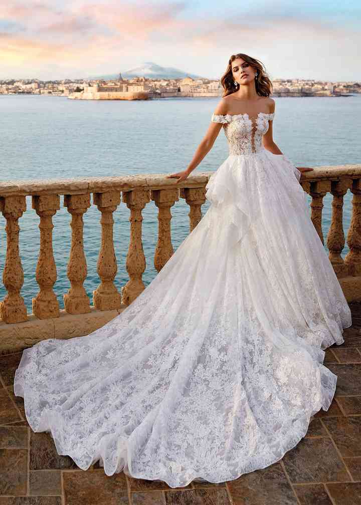 Ballgown Wedding Dresses Bridal Gowns Hitched Co Uk