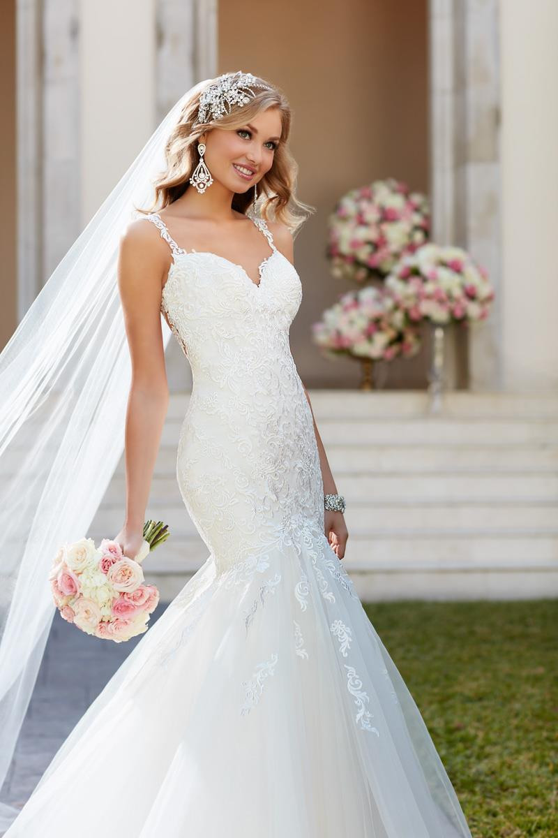 6743 Wedding Dress from Stella York - hitched.co.uk