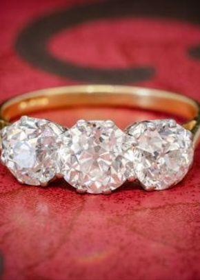 Diamond Trilogy Ring 18ct Gold 3.17ct of Diamond Full Cert, 1299