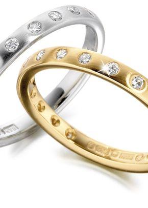 XD439, Smooch Wedding Rings