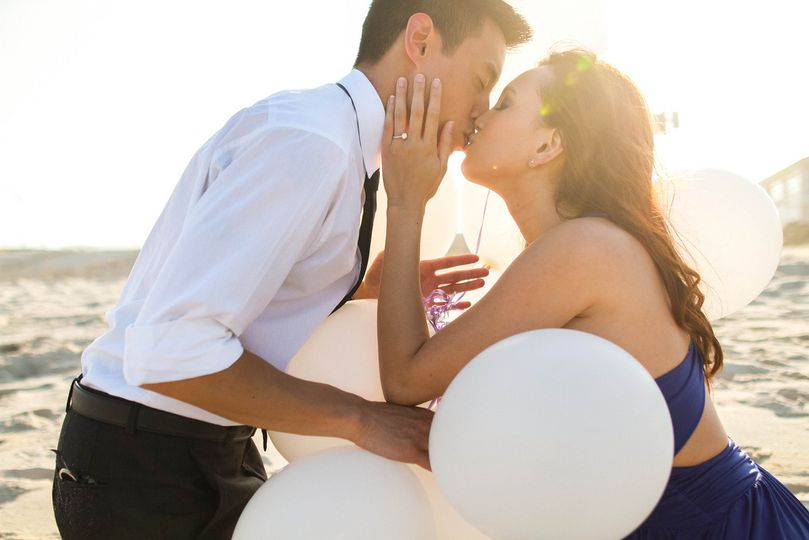 proposal kiss balloons 4 110003