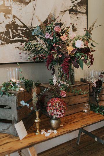 Vintage style wedding decor