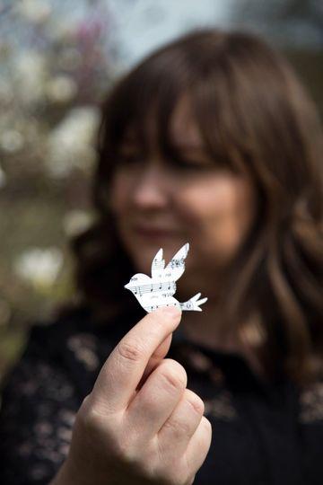 Paper songbird