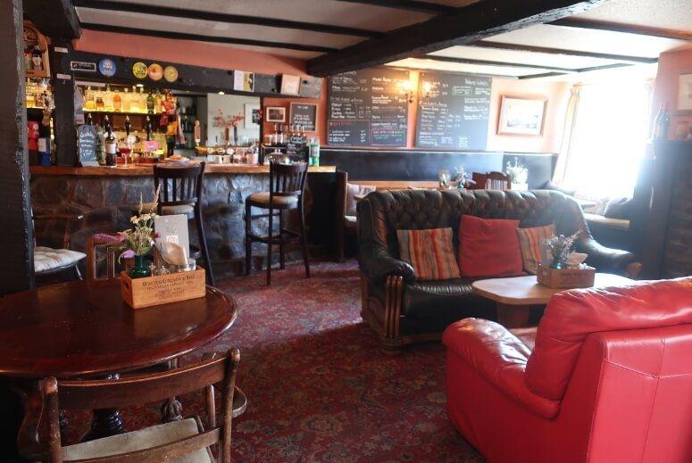 The lamb Inn at Sandford 3