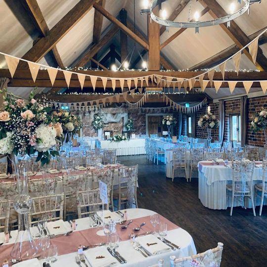 Rustic barn decor & flowers