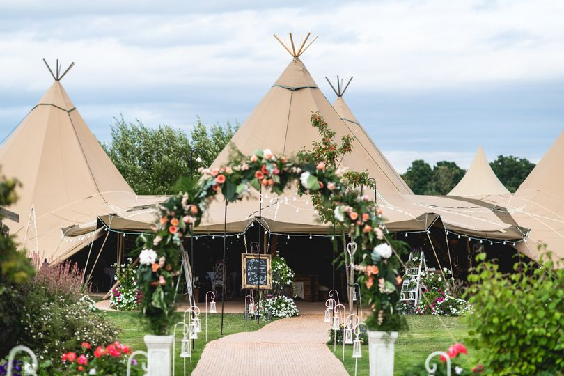 Five giant hat tipis