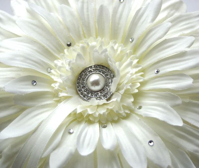Ivory Gerbera Ring Pillow