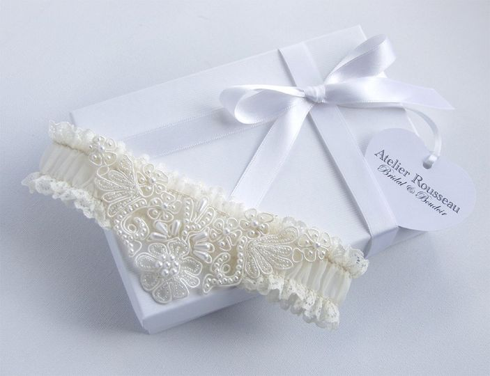 Romance Ivory Lace Garter with Pearl Applique