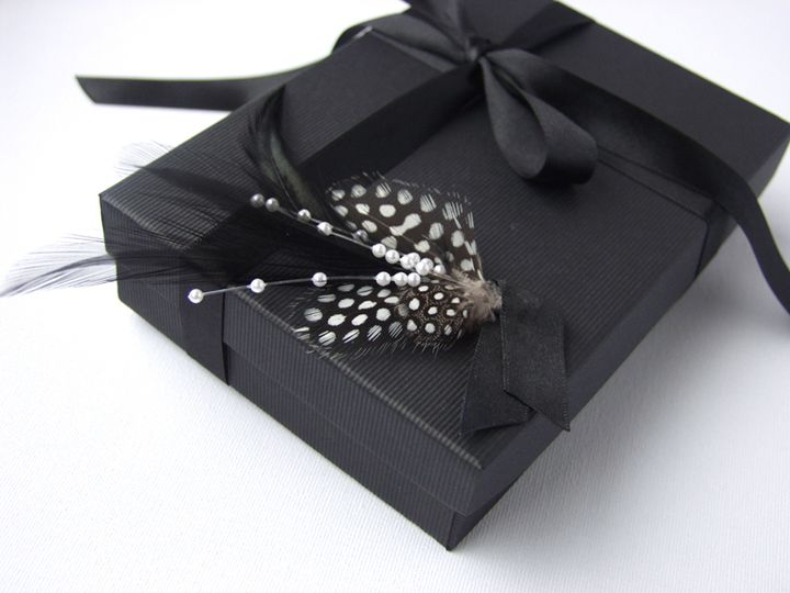 Sinatra Feather Groom Boutonniere