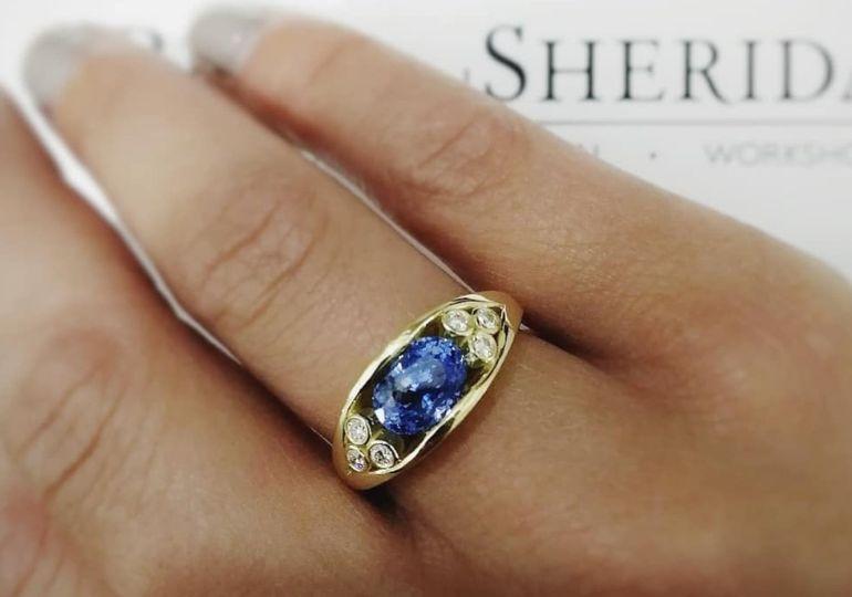 Beautiful oval sapphire