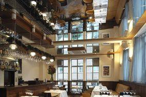 The White Swan Pub & Chophouse