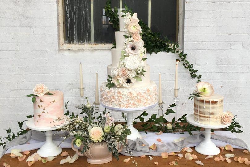 blush white wedding cake display janie at big phat photos 4 180133 157295806795582