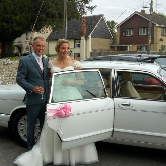 Cars and Travel RIBBONS AND BOWS WEDDING CARS 1