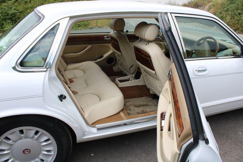 Cars and Travel RIBBONS AND BOWS WEDDING CARS 24
