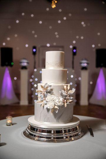 Sugar floral hoop cake